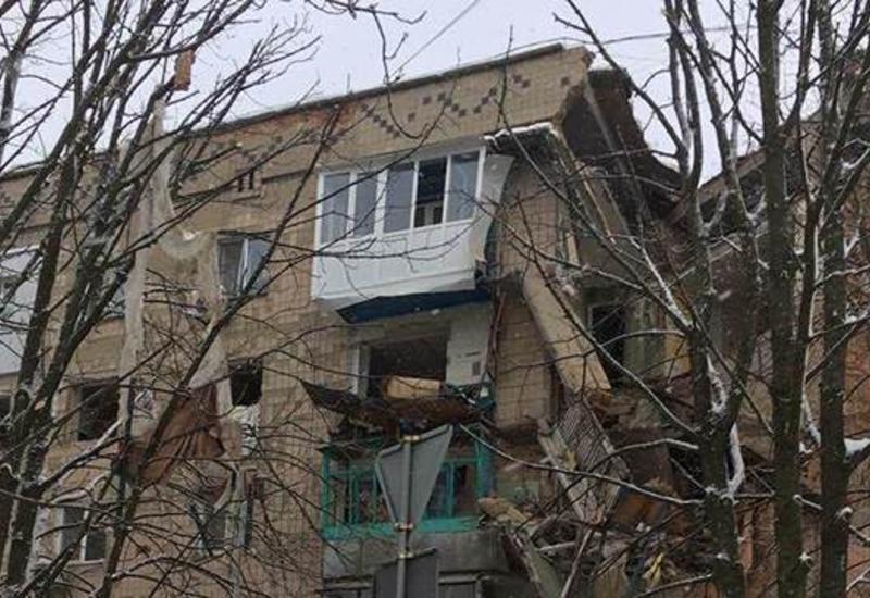 """Взрыв газа в Украине, разрушены три этажа в пятиэтажке <span class=""""color_red"""">- ВИДЕО</span>"""