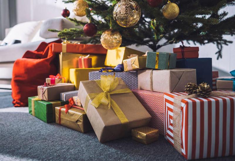В Шотландии мужчина умер после падения с рождественской елки