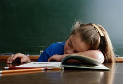 Ученые выяснили, чтоначинать уроки в школах нужно позже