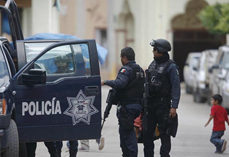 В Мексике трех полицейских убили при нападении бандитов