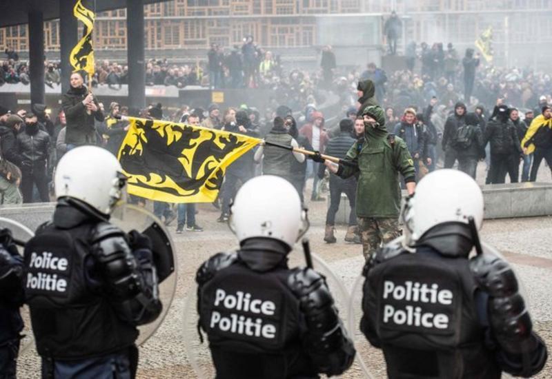 "В Брюсселе участников акции разгоняли водометами <span class=""color_red"">- ФОТО</span>"