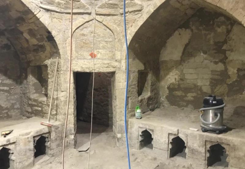 """В Ичеришехер восстанавливается уникальная средневековая баня <span class=""""color_red"""">- ФОТО</span>"""