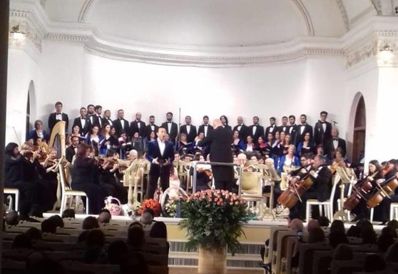 """В Филармонии состоялся грандиозный вечер оперной музыки """"Viva Puccini"""""""