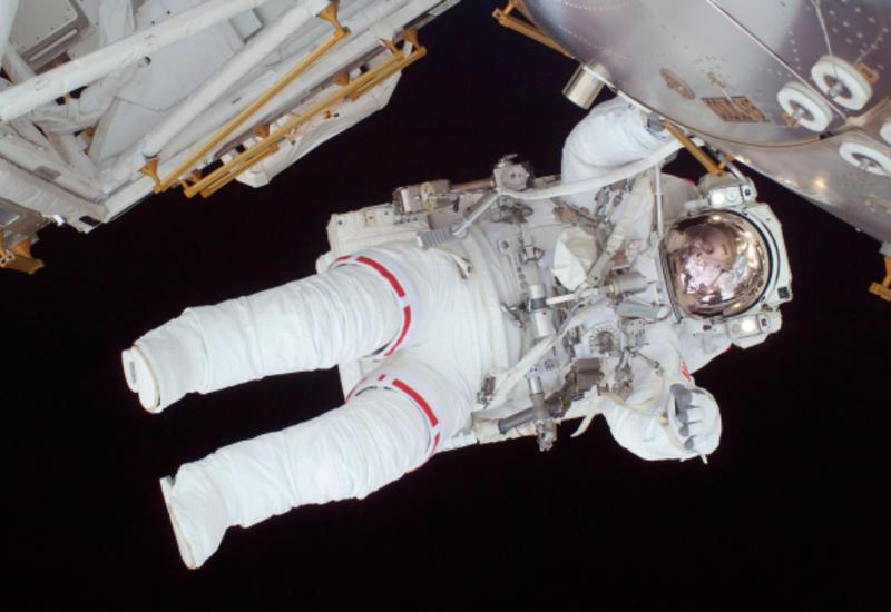 Зачем космонавтам табельное оружие