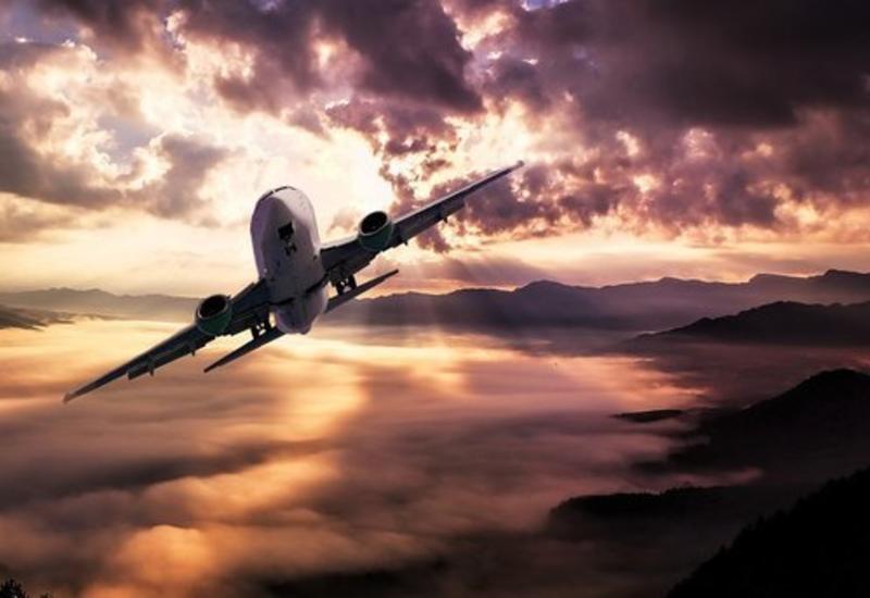 Пассажирский лайнер в Перу разгерметизировался в воздухе: кадры из салона