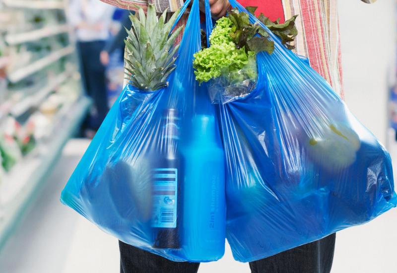 Еще одна страна откажется от пластиковых пакетов