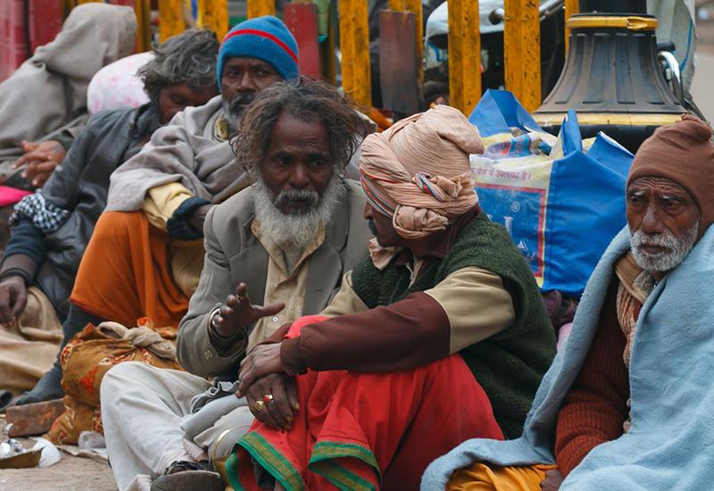 В Армению массово завозят индийских бедняков