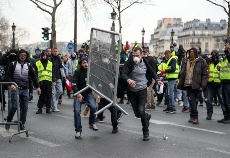 """""""Желтые жилеты"""" пройдут пешком от Марселя до Парижа"""