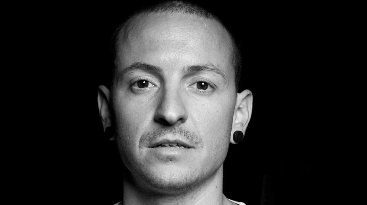 Выпущен посмертный трек лидера Linkin Park | Korrespondent.net