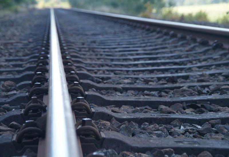 Гибель подростка под колесами поезда попала на камеры