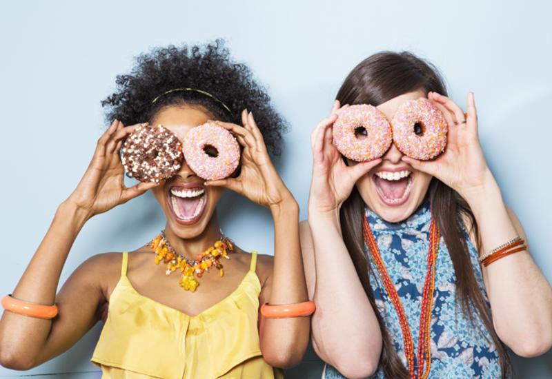 Почему женщины любят сладкое и надо ли его есть?
