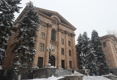 Князь Гасанов возглавил первое заседание нового парламента Армении