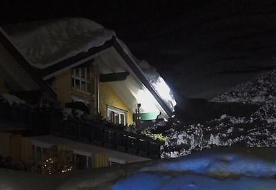 """Снежная лавина накрыла отель в горах Германии <span class=""""color_red"""">- ВИДЕО</span>"""