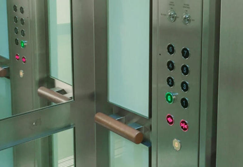 Генпрокуратура Азербайджана проверяет лифты в Баку