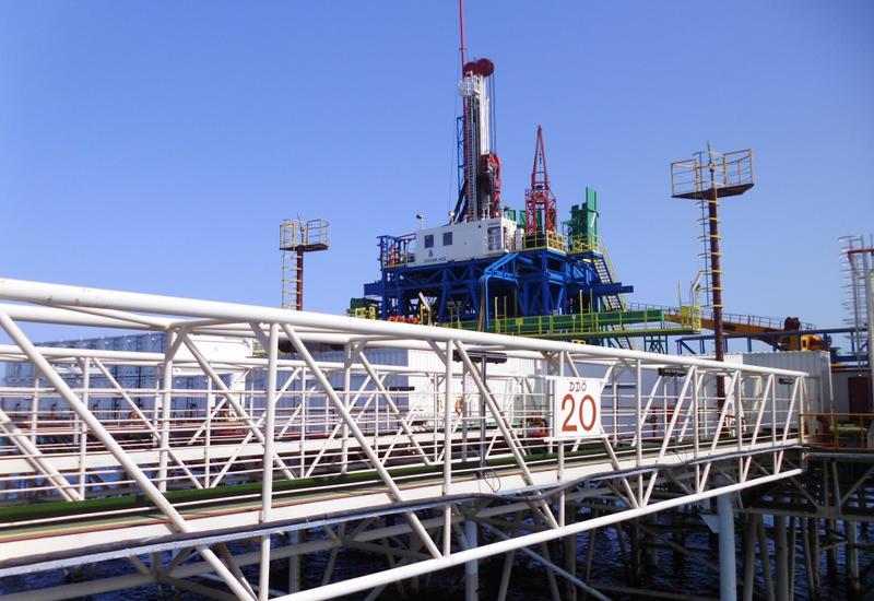 SOCAR эвакуирует тысячи нефтяников с морских платформ