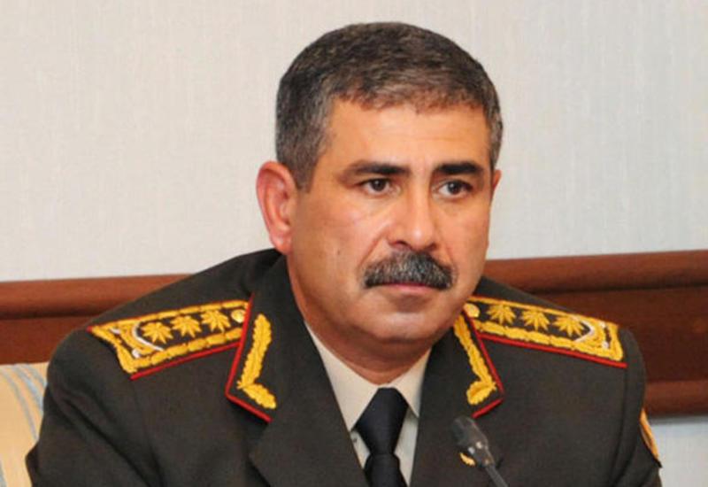 Закир Гасанов дал указание воинским частям в связи с непогодой