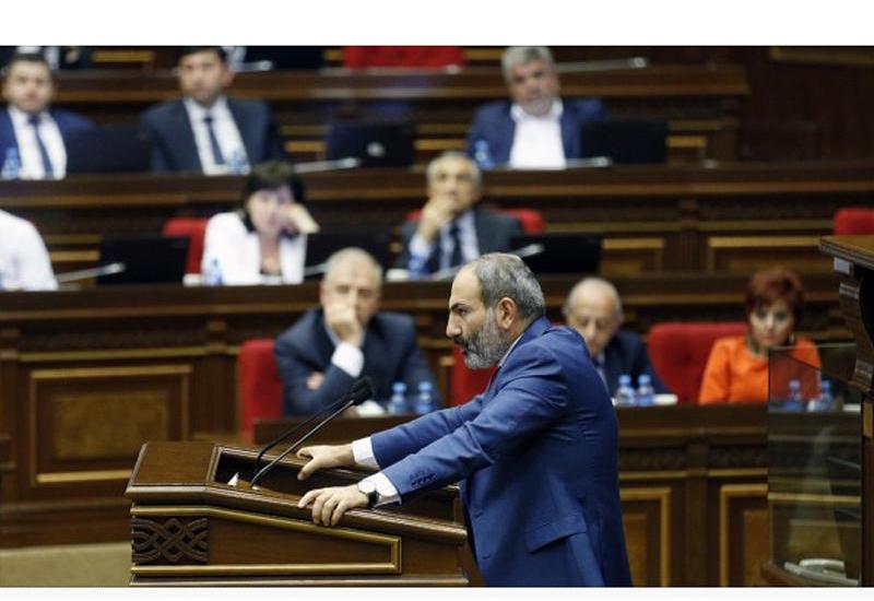 Xunta rejiminin süqutu: erməni rəhbərliyi konstruktiv mövqeyə gələcəkmi?