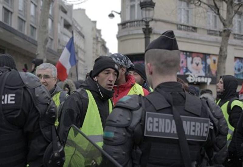 Полиция задержала 12 участников протеста в Париже