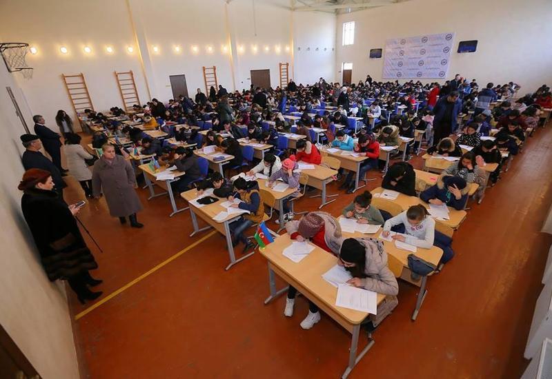 """Завершился отбор детей из семей вынужденных переселенцев в Лагерь интенсивного обучения програмированию в Мингячевире <span class=""""color_red"""">- ФОТО</span>"""