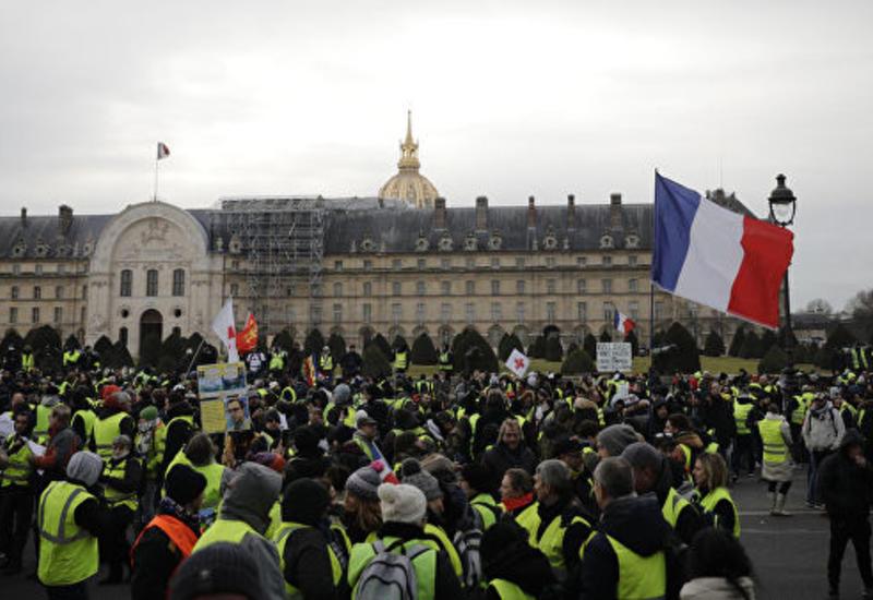 """Во Франции задержаны сотни """"желтых жилетов"""""""