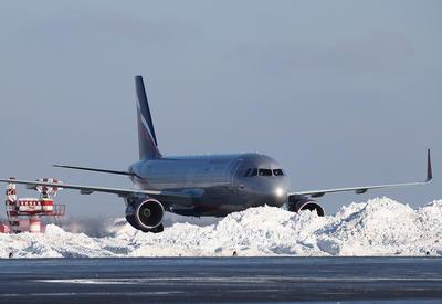 Самолет выкатился за пределы взлетной полосы в Шереметьево