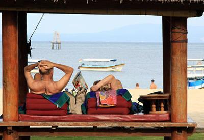 Названы лучшие страны для расслабляющего отдыха