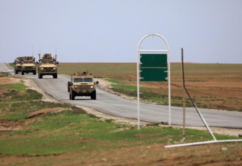 Смертник атаковал американский конвой в Сирии, есть погибшие