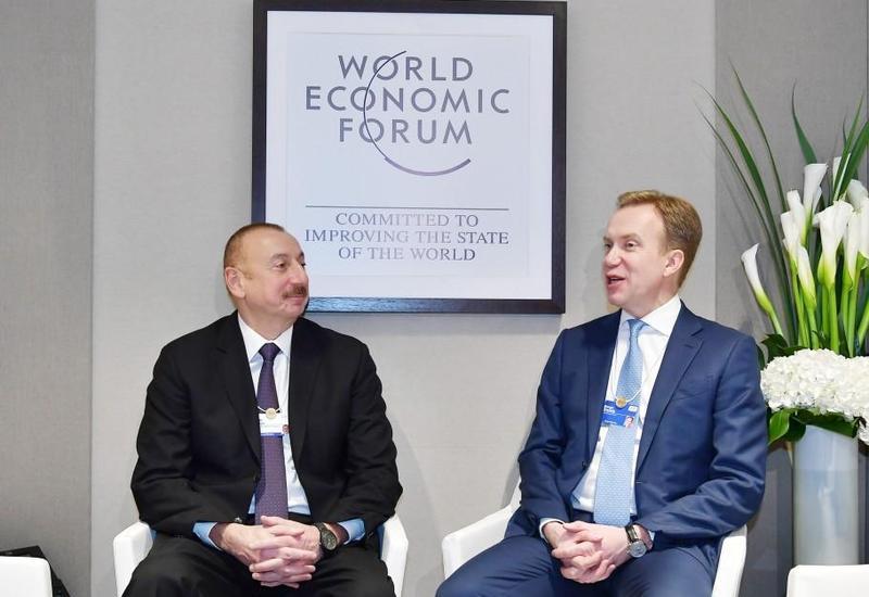 """Президент Ильхам Алиев: Азербайджан строит свою стратегию развития с учетом обновляющихся международных и региональных тенденций <span class=""""color_red"""">- ФОТО</span>"""