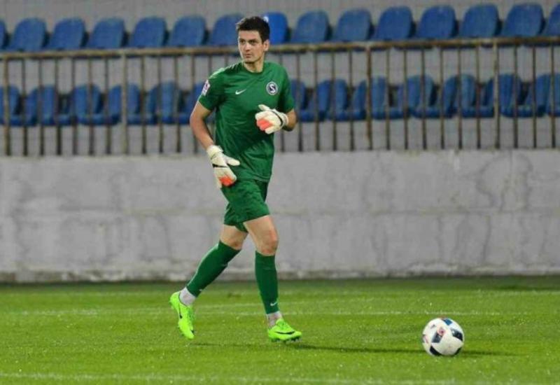 Вратарь сборной Азербайджана может продолжить карьеру в Казахстане