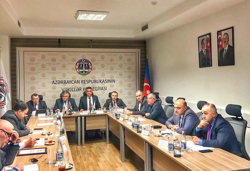В Азербайджане приостановлена деятельность трех адвокатов
