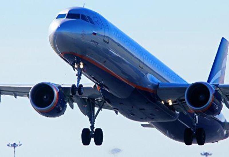 Угонщик российского самолета хотел полететь в Азербайджан