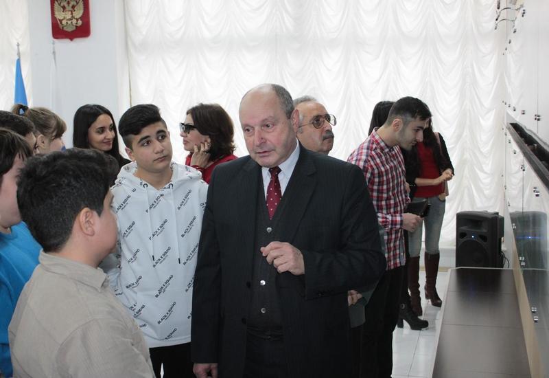 """В Баку открылась выставка известного российского фотографа <span class=""""color_red"""">- ФОТО</span>"""