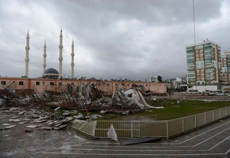 В Турции бушует ураган: есть погибший, много пострадавших