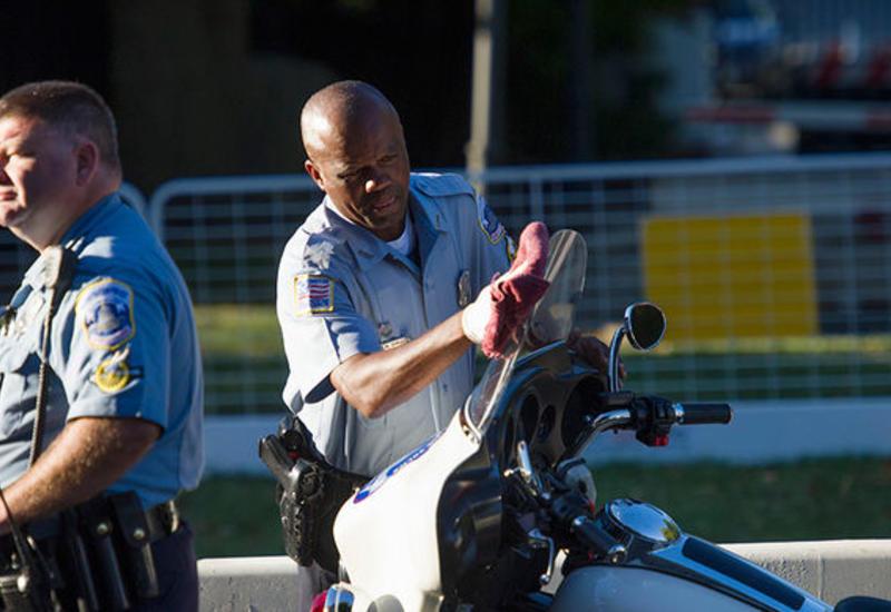 В США мужчина устроил стрельбу в банке, есть жертвы