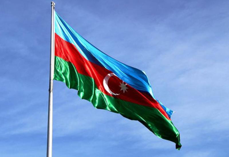 Перед мэрией Чикаго поднят флаг Азербайджана