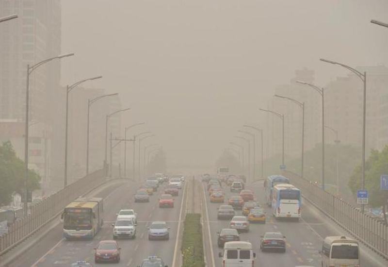 Bakıda güclü duman müşahidə olunur, bəzi yerlərdə yağış ehtimalı var