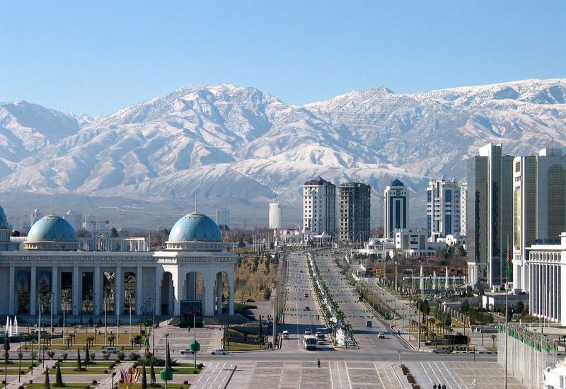 Туркменских преподавателей оставят без зарплат