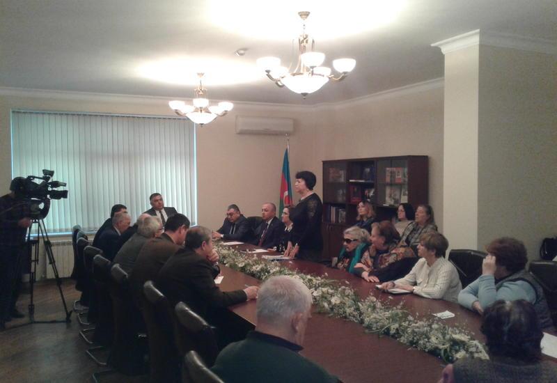 Представители ПЕА встретились с русскими общинами двух районов Баку