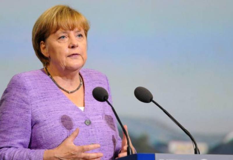 Меркель удалит свою страницу в Facebook