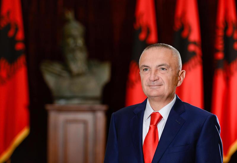 Президент Албании посетит Баку