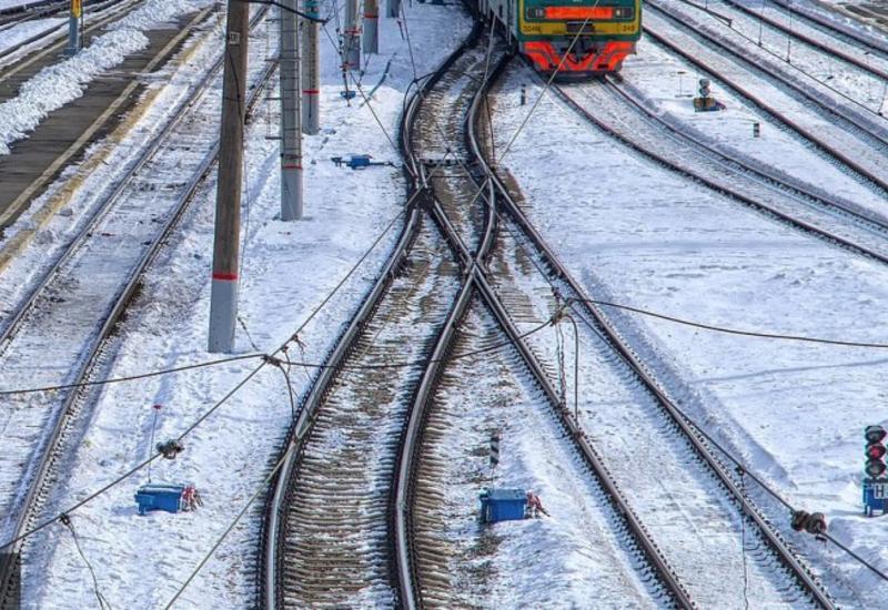 В России поезд протаранил вагоны для заключенных