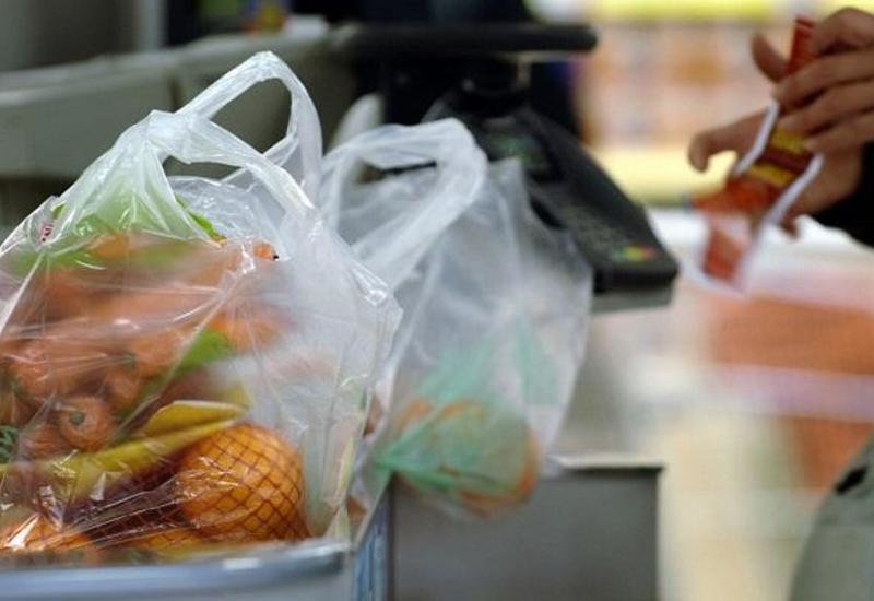 Министерство предупредило магазины, использующие полиэтиленовые пакеты и пластиковую тару