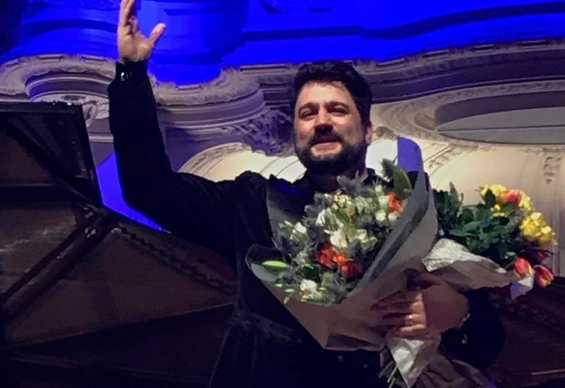 Юсиф Эйвазов выступил с первым сольным концертом в Париже