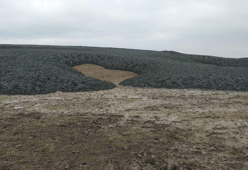 Место извержения грязевого вулкана в Шамахе
