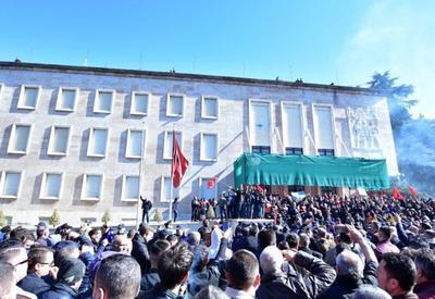 Из-за протестов в Албании пострадали двое полицейских и шесть демонстрантов