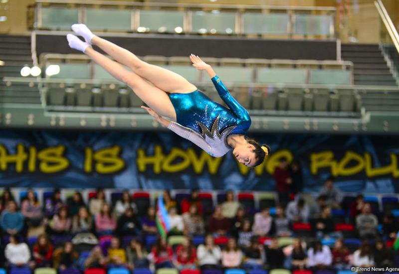 Определились финалисты соревнований по прыжкам на батуте среди мужчин и женщин в индивидуальной программе