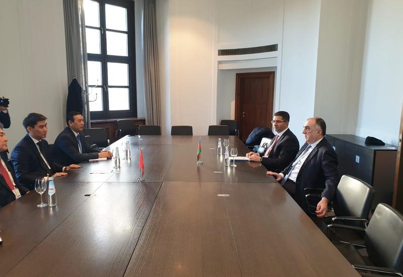 Главы МИД Азербайджана и Кыргызстана обсудили подготовку к саммиту Тюркского совета