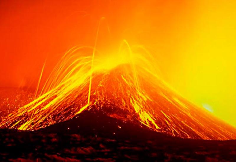 Пробуждение самого большого в Европе действующего вулкана сняли на камеры