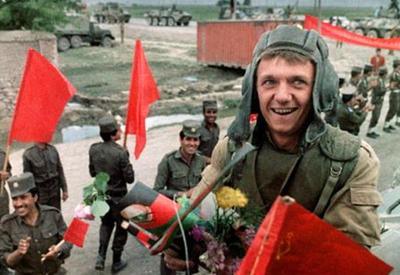"""Sovet ordusu çıxandan 30 il sonrakı Əfqanıstan: keçmiş və indiki həyatları haqda əfqanlar nə düşünürlər <span class=""""color_red"""">- FOTO</span>"""