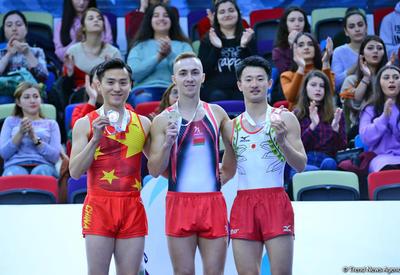 В Баку состоялась церемония награждения победителей и призеров в индивидуальной программе по прыжкам на батуте в рамках Кубка мира